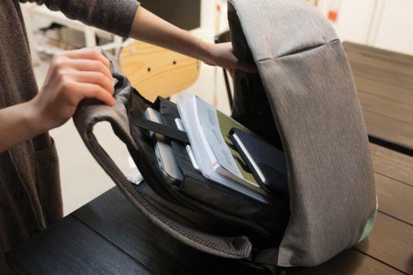 mochila antirobo bobby compact xd design 18