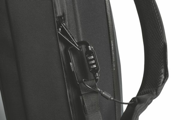mochila maletin antirrobo bobby bizz xd design 18