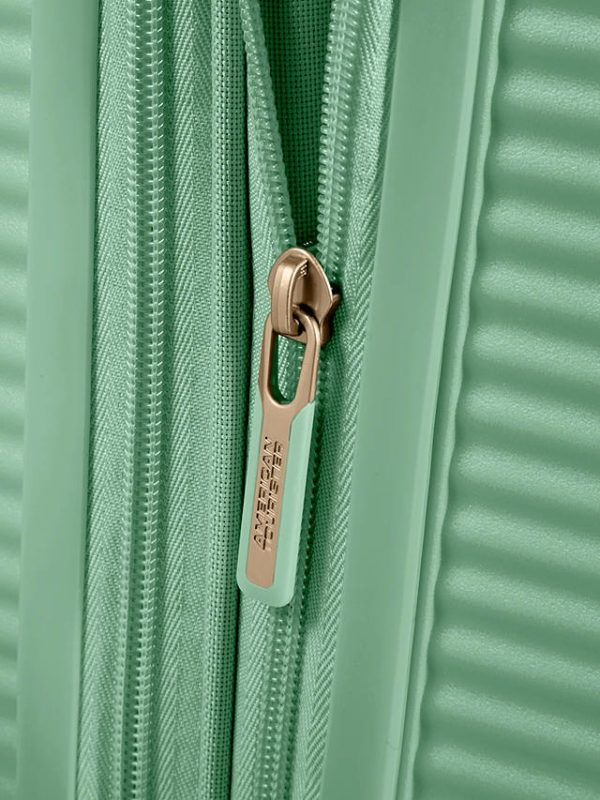Soundbox-Almond-Green-maleta cabina